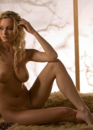 simona blonde escort amsterdam